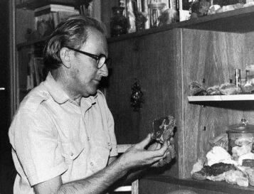 Zygmunt Pniewski z minerałami