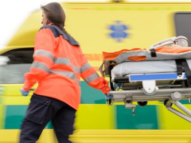 wypadek w pracy, odszkodowanie - ratownik medyczny i ambulans