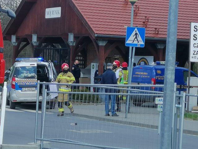 Akcja służb na targowisku w Mosinie