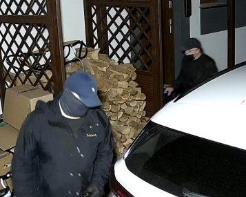 Próba kradzieży samochodu na ulicy Strzeleckiej w Mosinie