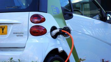 Samochód elektryczny - ładowanie