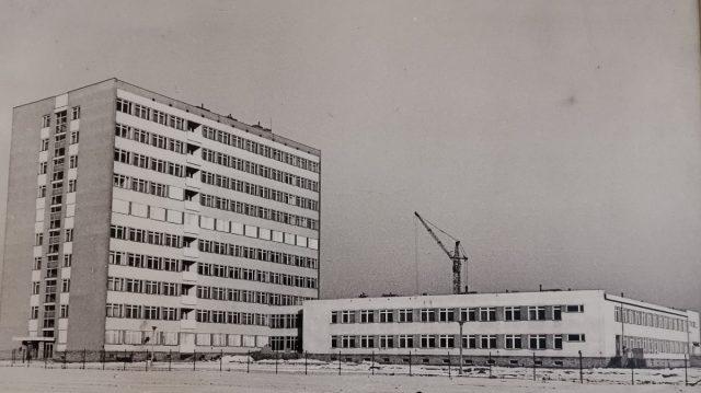 Szpital w Puszczykowie dawniej od strony lotniska fot. Zbiory szpitala