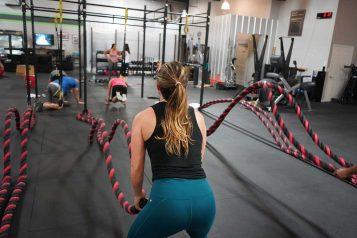 Ćwiczenia na siłowni crossfit
